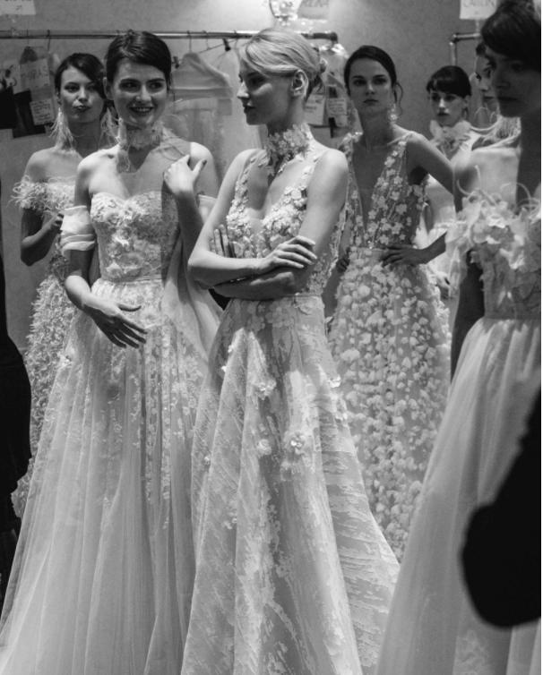 Xu hướng váy cưới Xuân/Hè 2018: Tinh xảo, yêu kiều trong từng chi tiết thêu ren, đính kết - Ảnh 25.
