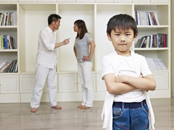 Sai lầm tệ hại khi phạt con mà cha mẹ khôn ngoan không bao giờ áp dụng - Ảnh 2.