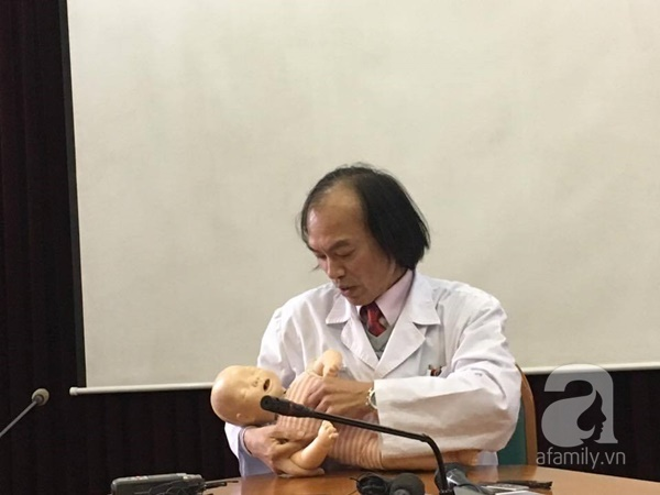 Bác sĩ Nhi hướng dẫn tường tận các bước sơ cứu hóc dị vật cho trẻ - Ảnh 7.