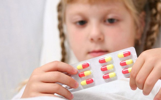 Thuốc trị bệnh ở tai mũi họng: Những lưu ý đặc biệt khi dùng - Ảnh 2.