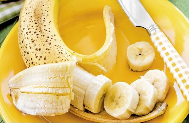 Ăn chuối tiêu ngon bổ rẻ, bạn còn tận dụng được nhiều bài thuốc chữa bệnh hữu ích từ thực phẩm này - Ảnh 4.