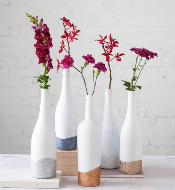 3 cách tái chế vỏ chai thành lọ cắm hoa đơn giản đẹp tinh tế - Ảnh 9.