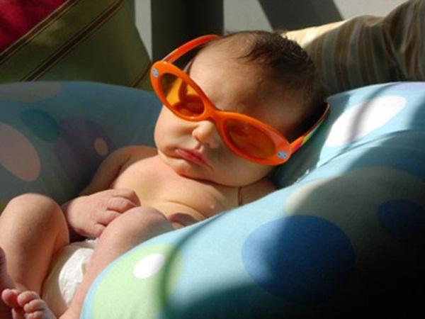 Lý giải của bác sĩ dinh dưỡng về bổ sung vitamin D và canxi chuẩn nhất cho trẻ - Ảnh 1.