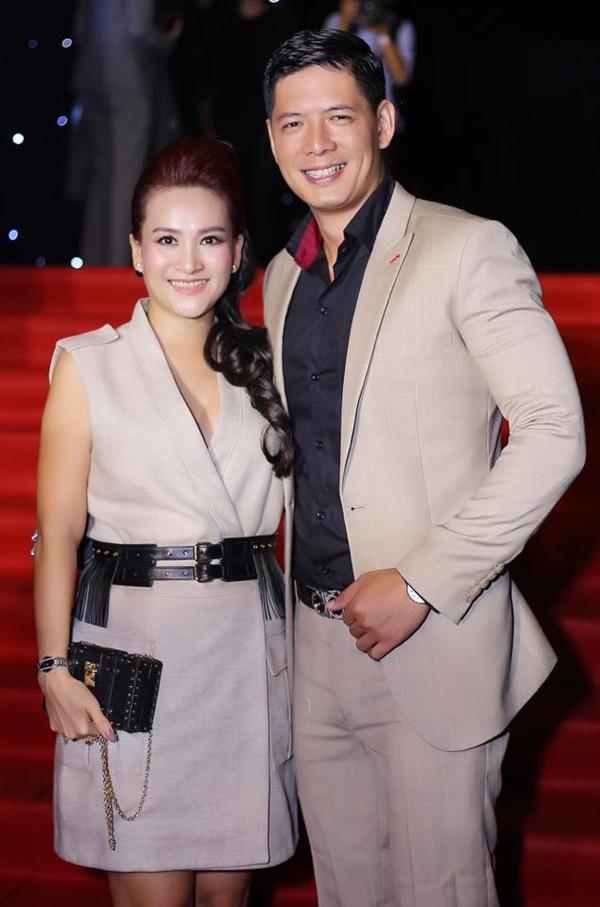 Những người vợ vừa giàu vừa giỏi đứng sau ánh hào quang của các nam nghệ sĩ Việt - Ảnh 11.