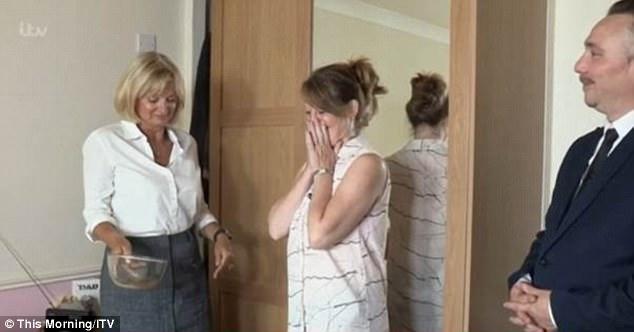 4 tuần mới thay ga trải giường, người phụ nữ phải thét lên khi nhìn thấy những thứ rơi ra từ chăn nệm của mình - Ảnh 4.