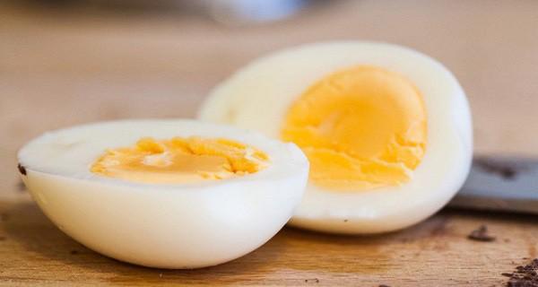 Chỉ cần ăn một quả trứng mỗi ngày trong 6 tháng có thể kích thích trí não trẻ sơ sinh phát triển - Ảnh 2.