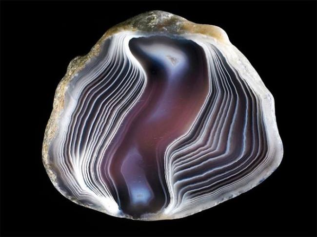 Những viên đá đẹp đến lạ lùng như chứa cả vũ trụ bên trong - Ảnh 21.