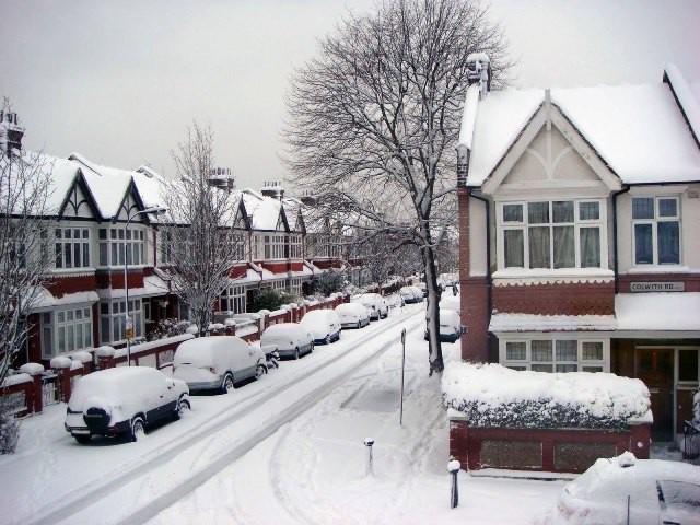 Ngất ngây với những hình ảnh tuyết rơi đẹp lung linh trên khắp thế giới - Ảnh 29.