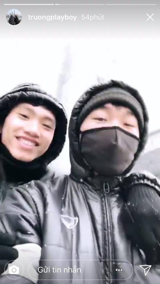 Những hình ảnh mới nhất ở Thường Châu: Dàn trai đẹp U23 siêu nhắng nhít khi lần đầu thấy tuyết rơi - Ảnh 12.