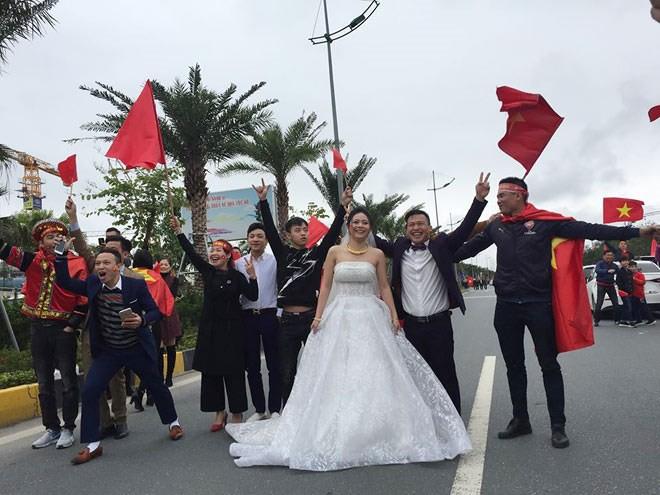 Cặp đôi hoãn giờ đón dâu để chào đón U23 Việt Nam: Sẽ đặt tên con là Quang Hải, Tiến Dũng - Ảnh 3.