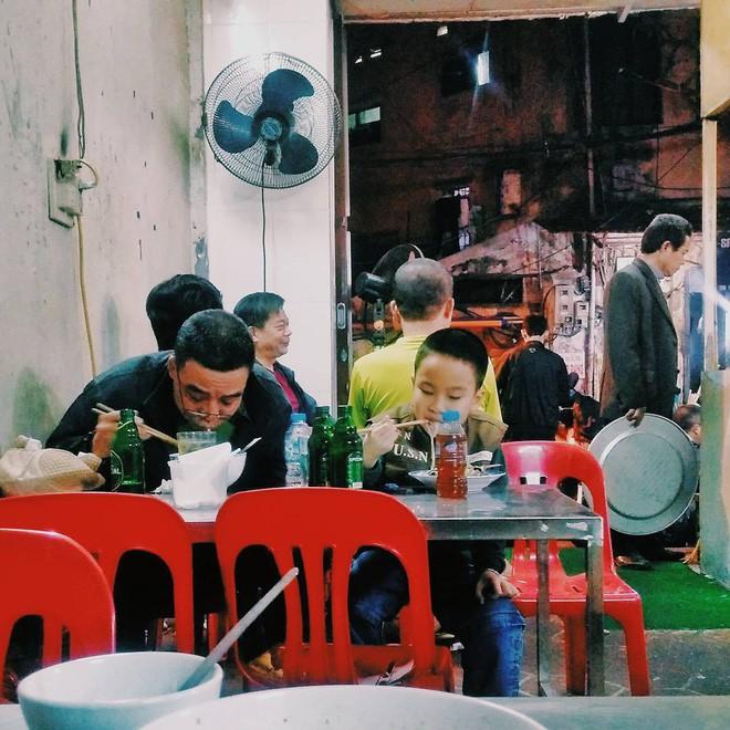 Khám phá địa chỉ quán ăn, món tủ của các chàng trai U23 khi không đá bóng - Ảnh 5.