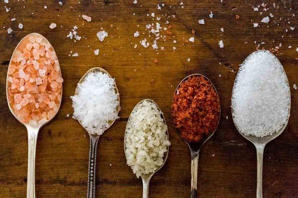 Hóa ra trong nấu ăn có đến 5 loại muối mà bây giờ tôi mới biết - Ảnh 1.