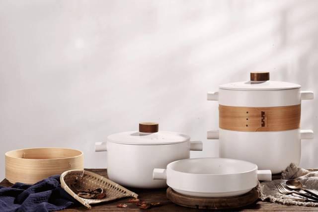 Hấp, luộc, chiên, xào: Tất tật các phương pháp nấu nướng có thể thực hiện trong chiếc nồi gốm đang khiến chị em điên đảo - Ảnh 1.
