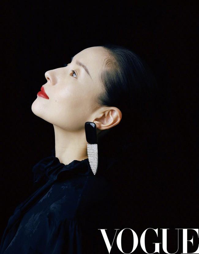 Hai nàng Phú Sát Hoàng Hậu đụng độ nhan sắc trên bìa tạp chí: Tần Lam - Đổng Khiết ai hơn ai? - Ảnh 6.
