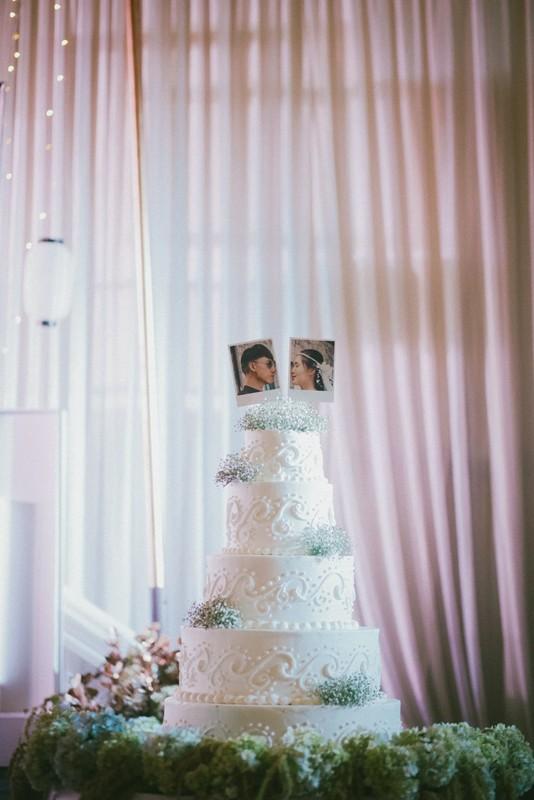 Cặp đôi chịu chơi dành cả thanh xuân bay từ Jeju đến Paris để chụp ảnh và bày thành quả đặc biệt trong tiệc cưới - Ảnh 7.