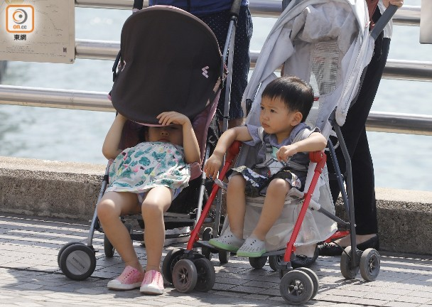 Chuyên gia chỉ ra 4 sai lầm thường gặp khi sử dụng xe đẩy cho bé - Ảnh 3.