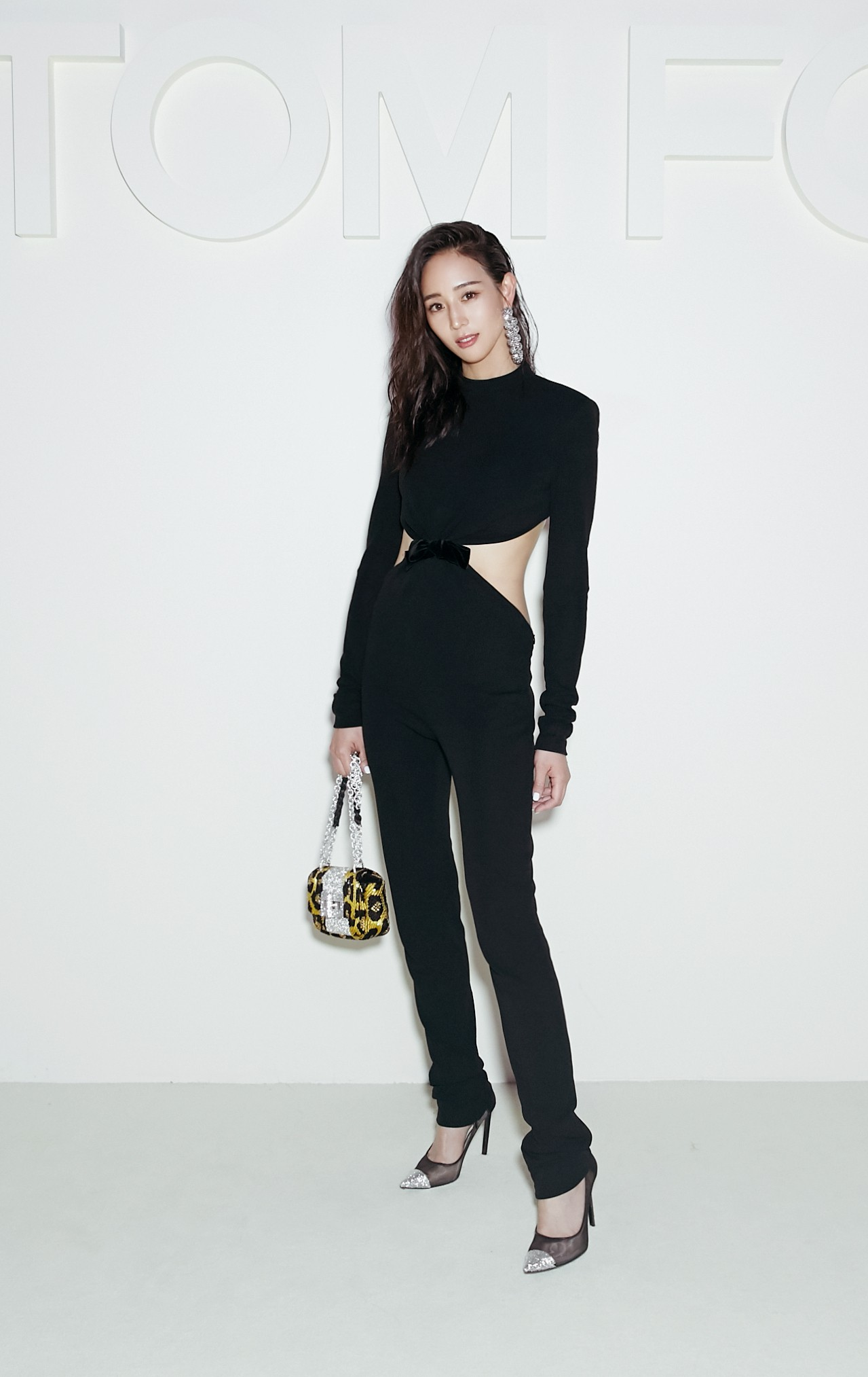 ning-chang-in-tom-ford-fall-2018-6