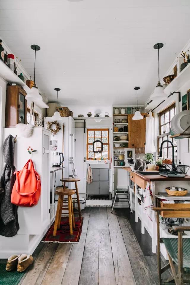 Học cách trang trí siêu chất dành riêng cho những ngôi nhà nhỏ  - Ảnh 1.