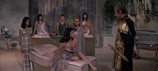 Không ngờ đây chính là cách hút hồn đàn ông của Nữ hoàng Cleopatra mà trăm phát trăm trúng - Ảnh 3.