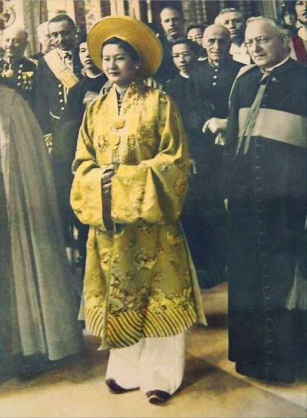 Đây chính là điểm làm nên sự khác biệt của Nam Phương Hoàng hậu trong cách giải quyết mâu thuẫn với mẹ chồng - Ảnh 1.