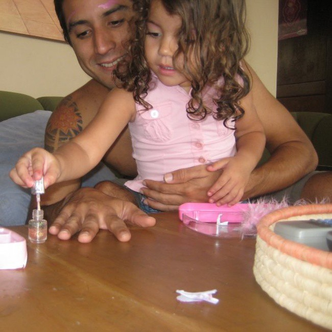 Ngắm những khoảnh khắc đáng yêu của bố và con gái mới thấy không ai chiều con như các ông bố - Ảnh 10.