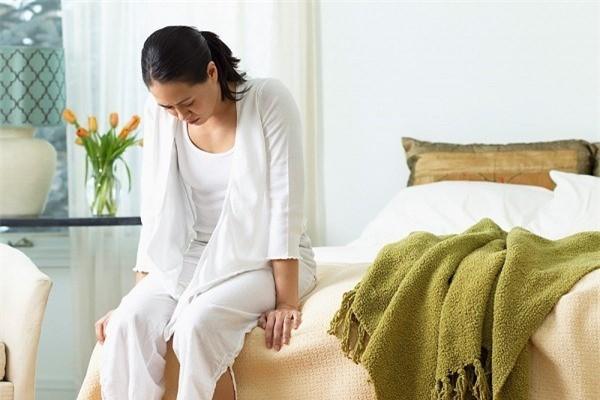 Dùng đến 2 biện pháp tránh thai mà vẫn có thai lại kèm theo đau bụng kịch liệt: Nguyên nhân khiến nhiều chị em giật mình - Ảnh 2.
