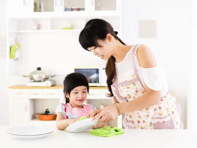 Nếu bạn muốn nuôi dạy những đứa trẻ chăm chỉ làm việc nhà, sống tự lập, hãy thử phương pháp Maya - Ảnh 1.
