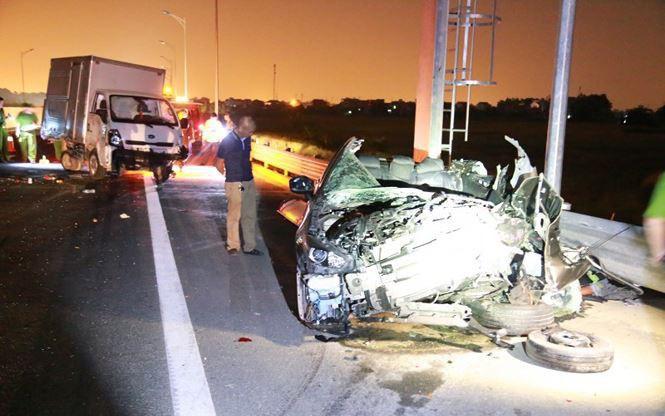 Tai nạn thảm khốc trên cao tốc Quảng Ninh - Hải Phòng, 2 người chết tại chỗ, 3 người nhập viện