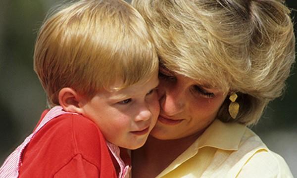 Giờ mới có lời giải cho câu hỏi tại sao Công nương Diana sau 11 năm mới chịu ly hôn dù biết chồng ngoại tình ngay ở kì trăng mật - Ảnh 3.