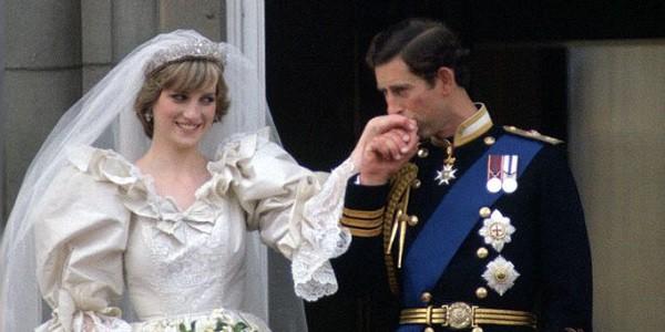 Giờ mới có lời giải cho câu hỏi tại sao Công nương Diana sau 11 năm mới chịu ly hôn dù biết chồng ngoại tình ngay ở kì trăng mật - Ảnh 2.