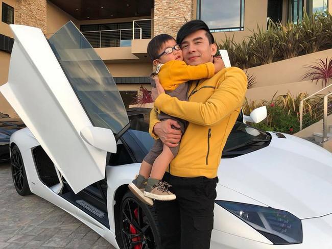 """""""Richkid"""" chính hiệu của Vbiz : Sống trong biệt thự triệu đô, được tặng xe hơi mừng sinh nhật - Ảnh 5."""