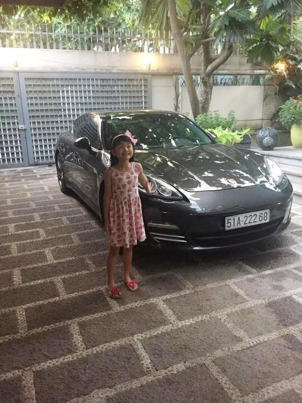 """""""Richkid"""" chính hiệu của Vbiz : Sống trong biệt thự triệu đô, được tặng xe hơi mừng sinh nhật - Ảnh 8."""