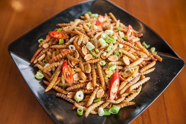 Những món ăn kinh dị sợ chết khiếp ở Giang Tô - một trong tứ đại trường phái ẩm thực lớn nhất Trung Hoa  - Ảnh 4.