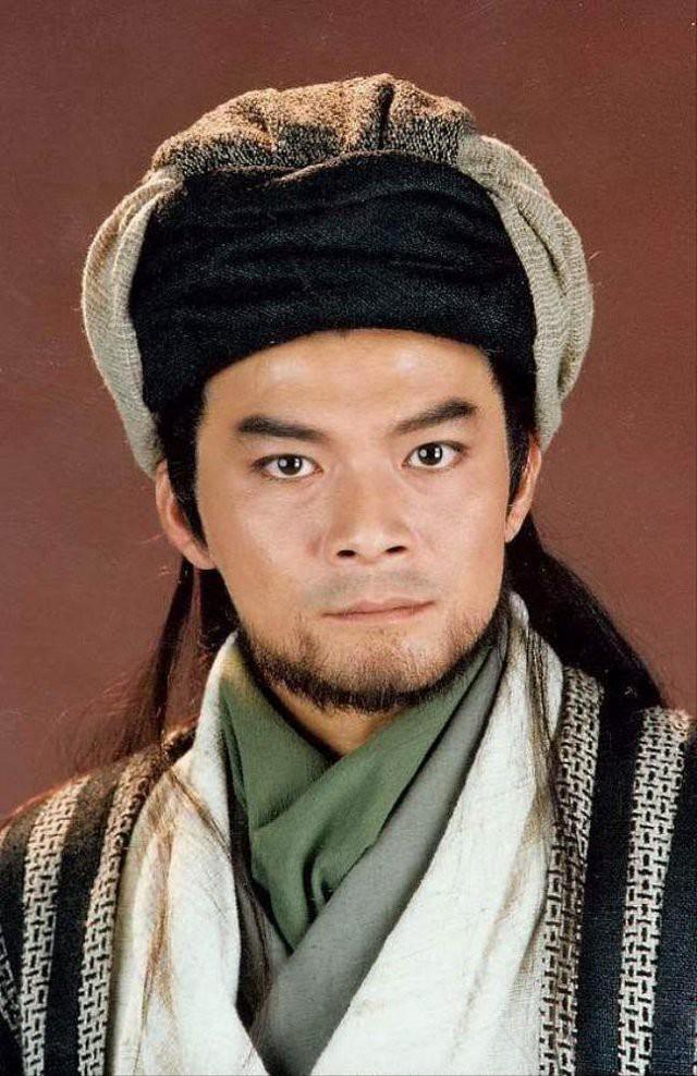 Kiều Phong Huỳnh Nhật Hoa: Sự nghiệp tụt dốc không phanh, là người chồng tốt nhưng lại là đứa con bất hiếu? - Ảnh 2.