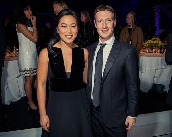 Thì ra đây là bí quyết khiến cô vợ kém xinh làm ông chủ Facebook không những si mê mà còn ngoan ngoãn nghe lời - Ảnh 4.