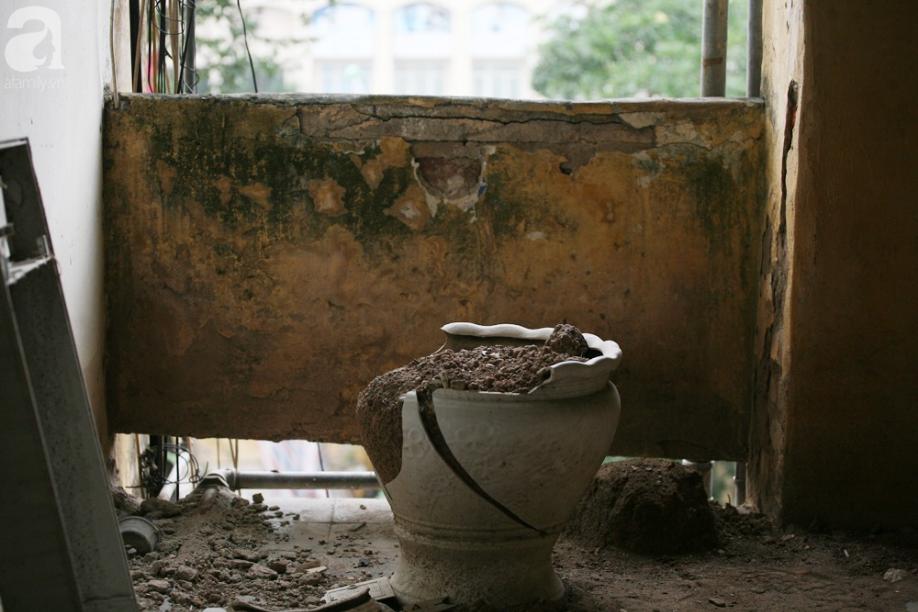 Mục sở thị chung cư ghê rợn nhất Thủ đô trước ngày biến mất - Ảnh 14.