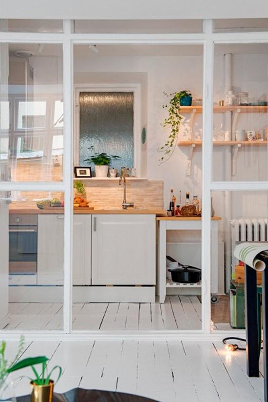 Nhà bếp không có cửa sổ, thực trạng chung của nhiều nhà chung cư và những giải pháp thiết kế khắc phục siêu hay - Ảnh 3.