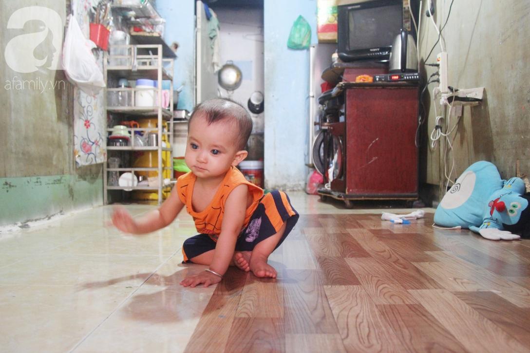 Điều kỳ diệu đến với Gia Anh, bé trai 14 tháng tuổi có đôi mắt màu xanh đi tìm ánh sáng - Ảnh 2.