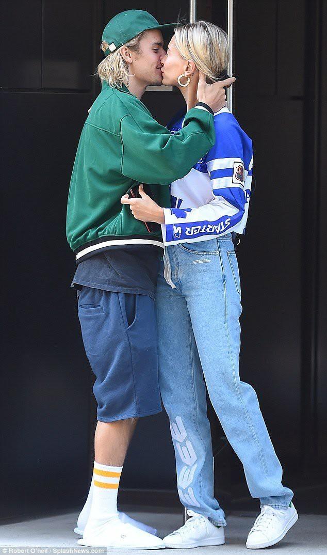 Vừa thay tên đổi họ vì nhau, vợ chồng Justin Bieber đã bị đồn ra tòa ly hôn - Ảnh 2.