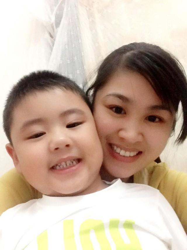 """Suýt mất con trai do viêm phổi, người mẹ trẻ tìm ra cách giúp con thuyên giảm và nói """"không"""" với kháng sinh! - Ảnh 1."""