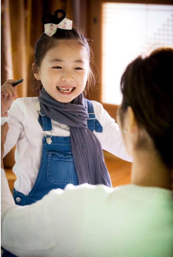 Trước 3 tuổi mẹ chỉ cần dạy 3 kỹ năng sống cho trẻ thì khi đi học không những mạnh dạn tự tin mà còn thông minh vượt trội - Ảnh 2.