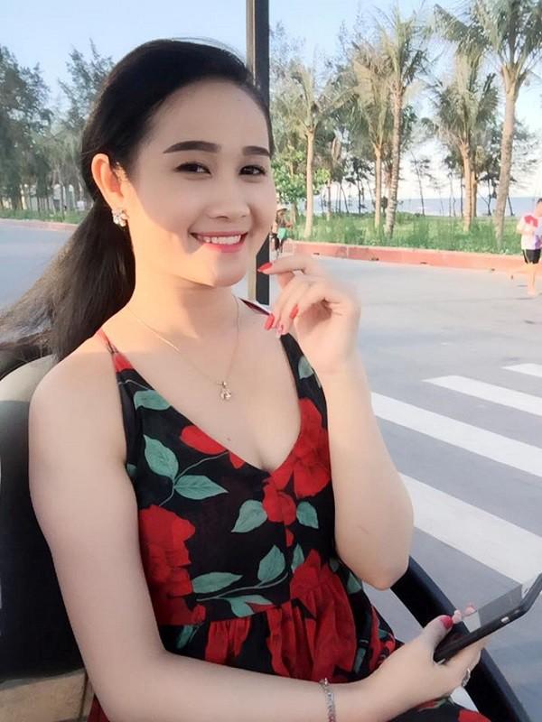 Không ngờ chàng tiền đạo Tiến Linh ghi bàn thắng đầu tiên cho Việt Nam hôm nay lại ngôn tình với bạn gái thế này - Ảnh 4.