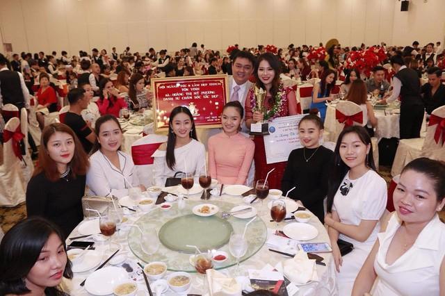 """Doanh nhân Rita Phương vinh dự đón nhận """"Danh sư chăm sóc sắc đẹp 2018"""" - Ảnh 4."""