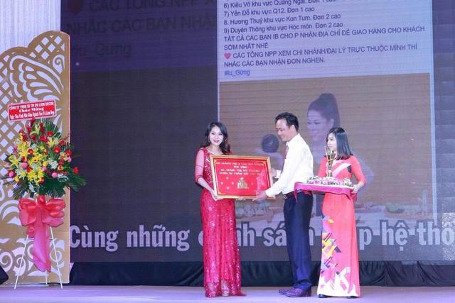 """Doanh nhân Rita Phương vinh dự đón nhận """"Danh sư chăm sóc sắc đẹp 2018"""" - Ảnh 5."""