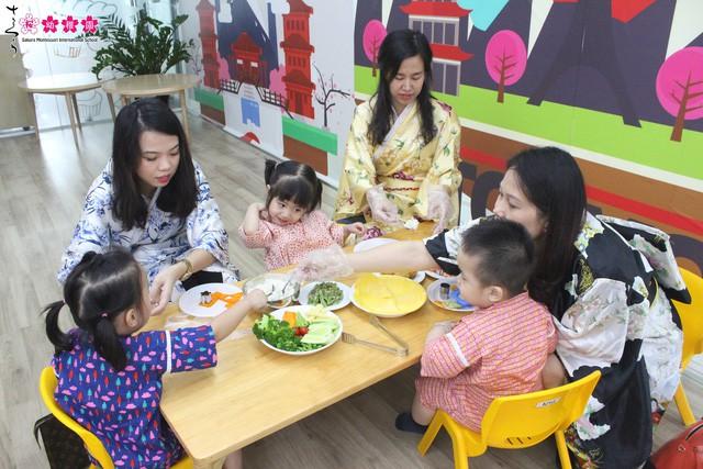"""Sakura Montessori cùng ba mẹ và bé khám phá """"Ngày hội Obento"""" đầy mới lạ - Ảnh 4."""