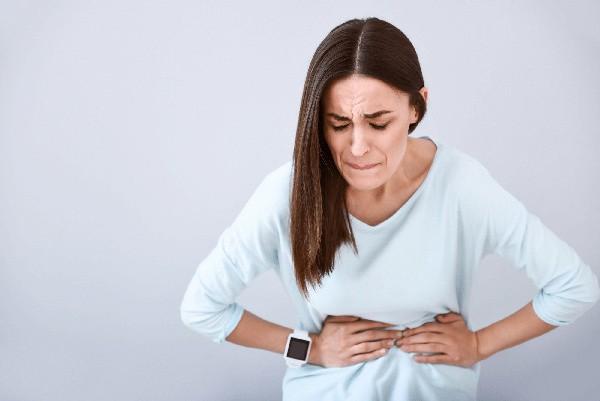 Ngộ độc thực phẩm hay cúm dạ dày? Bạn có thể dựa vào điều này để nhận biết - Ảnh 3.
