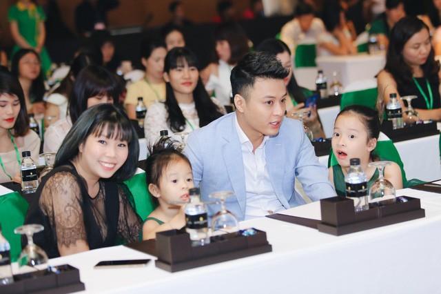Bữa sáng cân bằng cho bé với những gợi ý hữu ích từ gia đình sao Việt - Ảnh 1.