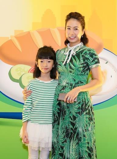 Bữa sáng cân bằng cho bé với những gợi ý hữu ích từ gia đình sao Việt - Ảnh 5.