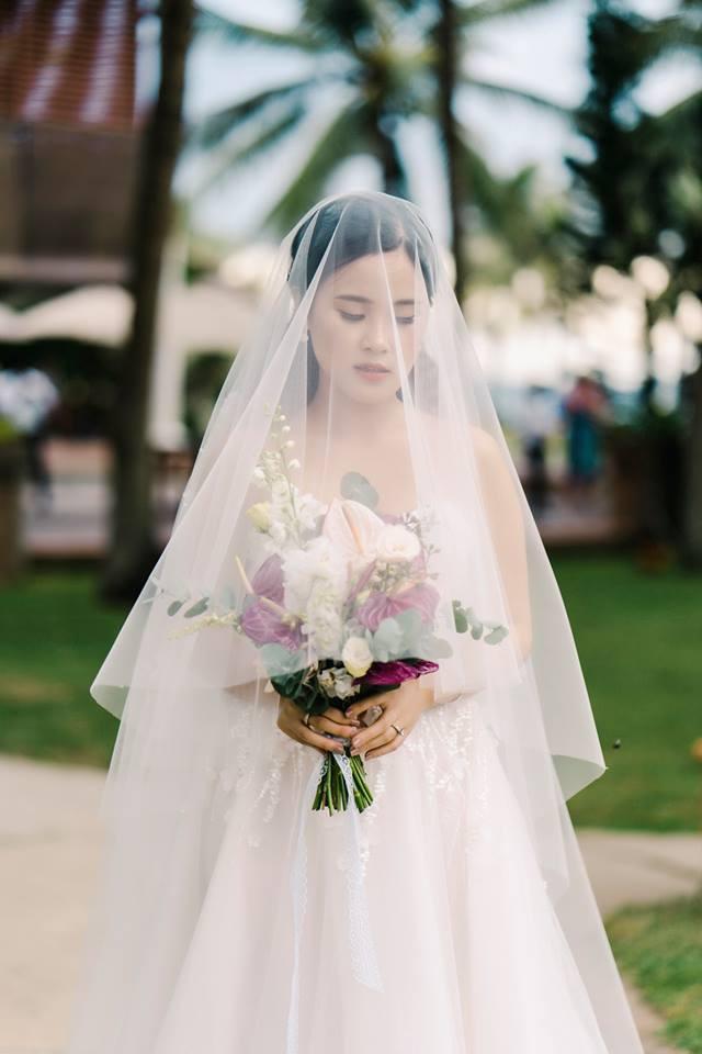 Bí mật của chiếc váy cưới và khoảnh khắc first look hạnh phúc ở đám cưới chất phát ngất do cô dâu tự tay trồng - Ảnh 11.