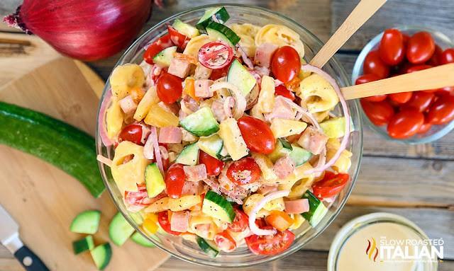 Bỏ túi ngay công thức 5 món salad siêu ngon ăn cả tuần giảm cân hiệu quả - Ảnh 2.